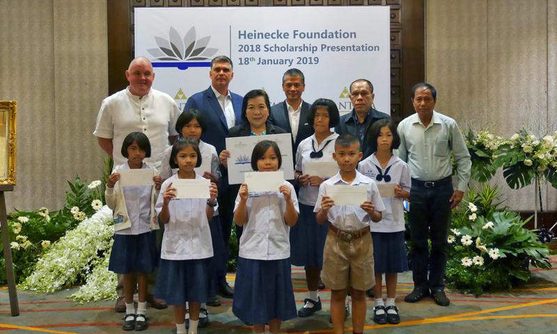Anantara Mai Khao supports the Roy E. Heinecke Scholarship Foundation