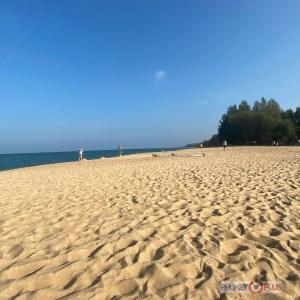 пляж Май Као где садятся самолеты