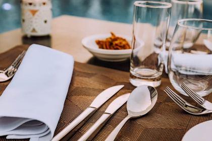 Romantic Dinner, Dating Tips, Romantic Restaurant, Tips for Men