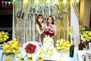 Trang trí sinh nhật tông vàng ánh kim sang trọng