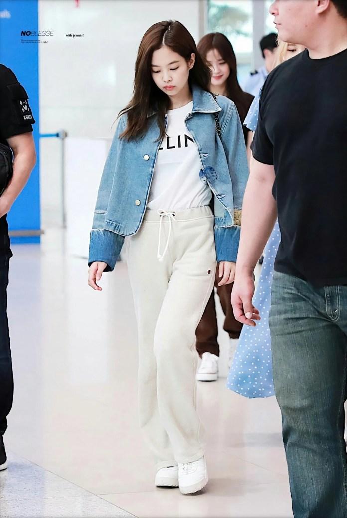 Jennie áo thun trắng - Ảnh 9.