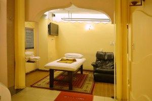 Phòng Massage VIP phong cách Thái Lan Khách sạn Phú Thọ Quận 11