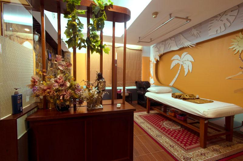 phòng VIP phong cách Hawai khách sạn Phú Thọ quận 11