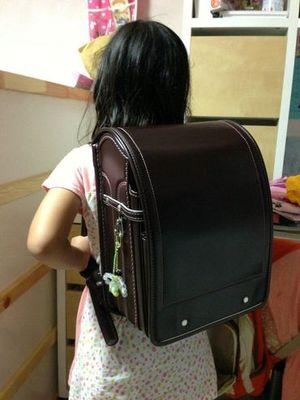 中村鞄のランドセルは随所に使いやすさの工夫が散りばめられています。