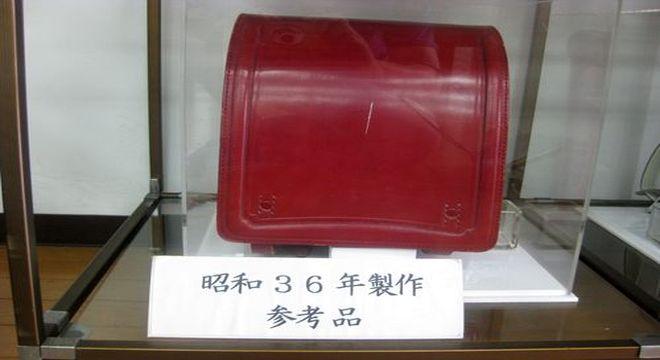 ナース鞄工 昭和36年に製作された女の子用の赤いランドセル