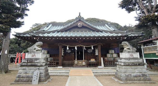 鶴峯八幡宮(拝殿)
