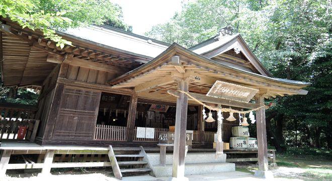 磯部稲村神社(拝殿)
