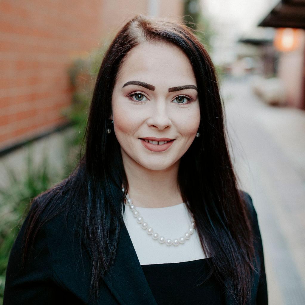 Lauren Guerra Headshot