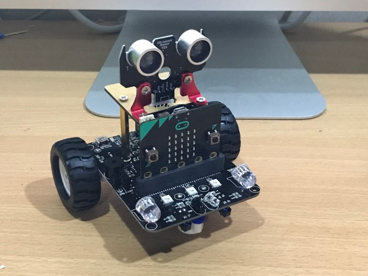 Micro:bit Line-Following Robot