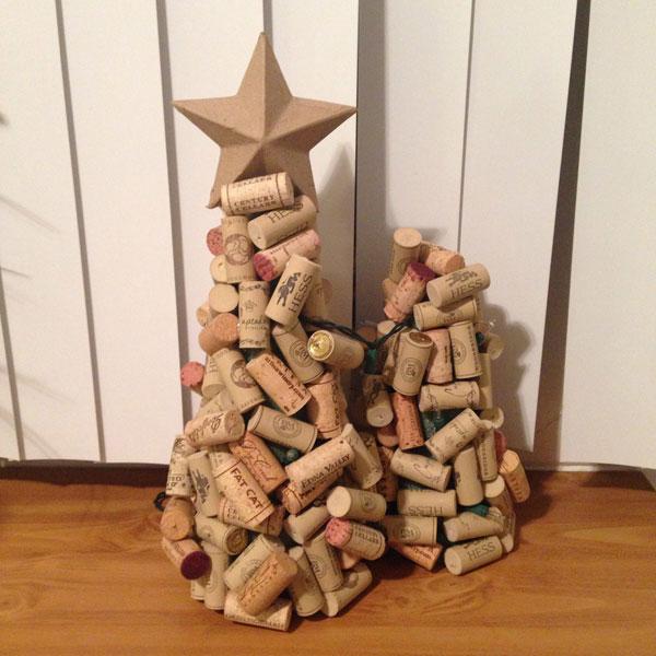 Guarda altre immagini sfogliando questa e altre. 25 Alberi Di Natale Con Tappi Di Sughero Pianetabambini It