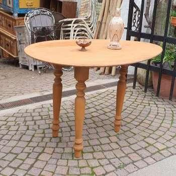 Tavolo con piano ovale