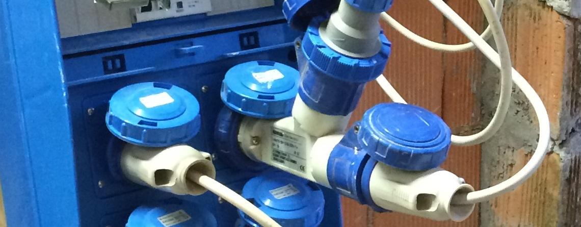 impianto elettrico, impianti elettrici nei piccoli cantieri, spine, cavi, quadro elettrico, cantiere, applicazione