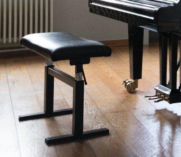 la banquette de piano réglable