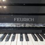 Feurich 122 Klavier
