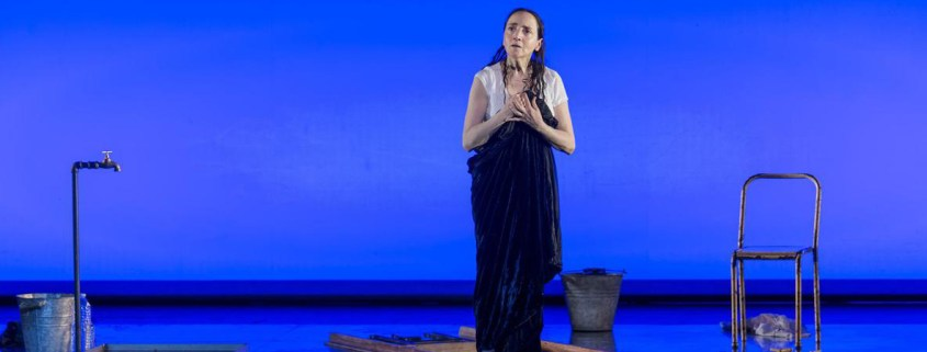 Le Testament de Marie, de Colm Toíbín, m.e.s. Deborah Warner, avec Dominique Blanc - Théâtre de l'Odéon-Europe - photo © Ruth Walz