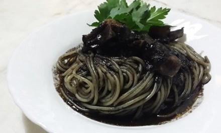 Pasta con il nero di seppia
