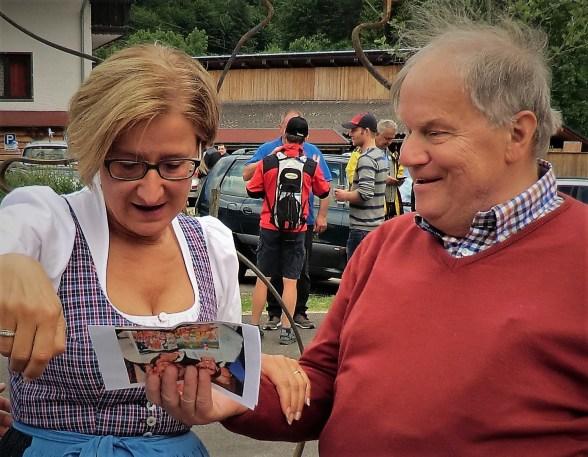 Piaty zeigt Mikl Leitner Ötscherbärin