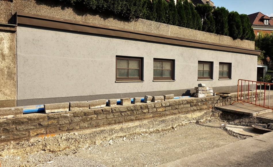 Baustelle Mühlstrasse Mauer nahe