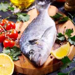 Kitchen Cutting Boards Grey Cabinets For Sale 新的厨房图片素材 新的厨房图片大全 新的厨房高清图片素材 新的厨房未来 厨房砧板上新鲜的鲈鱼