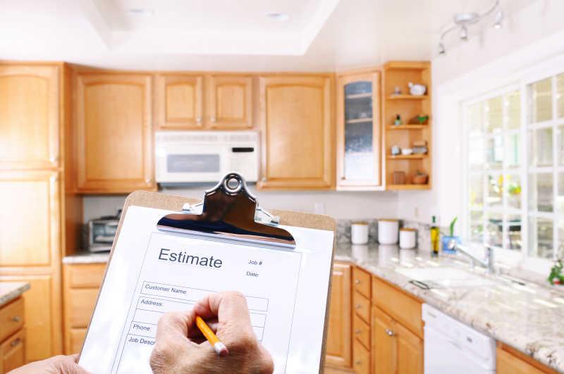 kitchen contractor new sink installation 厨房改造书面估算图片 厨房改造估价承包商剪贴板素材 高清图片 摄影照片 厨房改造估价承包商剪贴板