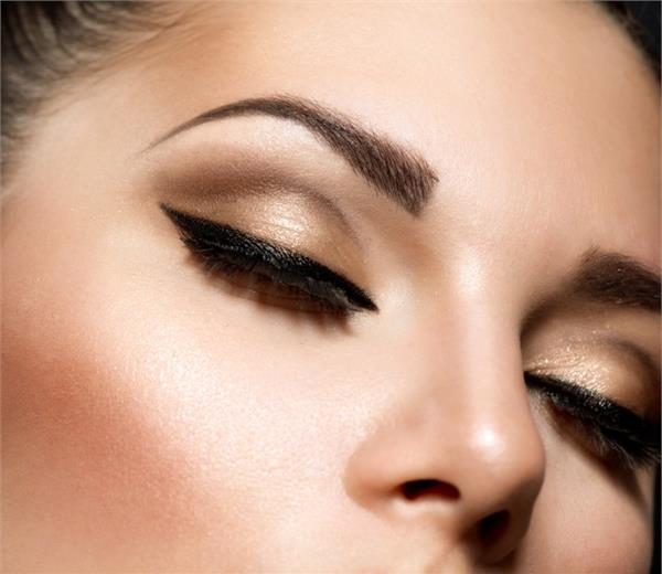黑色頭髮適合什麼顏色的眉筆 教你如何選擇正確產品 - 色彩地帶
