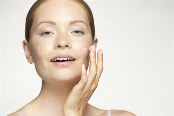 長斑是缺什麼維生素嗎 為你普及護膚小常識 - 色彩地帶