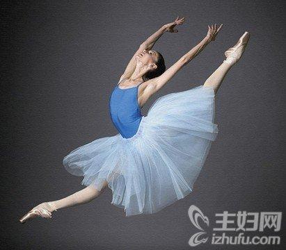 打造翹臀不是難事 簡單芭蕾舞動作輕鬆搞定 - 色彩地帶