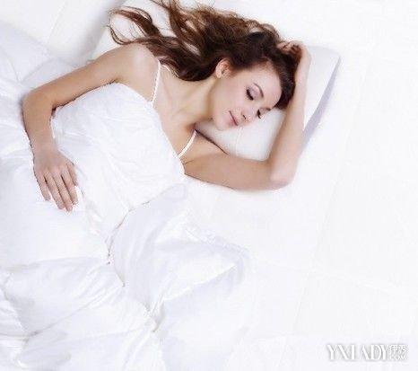 睡覺突然轉身扭到背怎麼辦 5個小方法輕鬆解決 - 色彩地帶