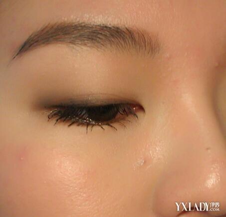 眼部打底膏怎麼用才好 為你介紹其用法步驟 - 色彩地帶