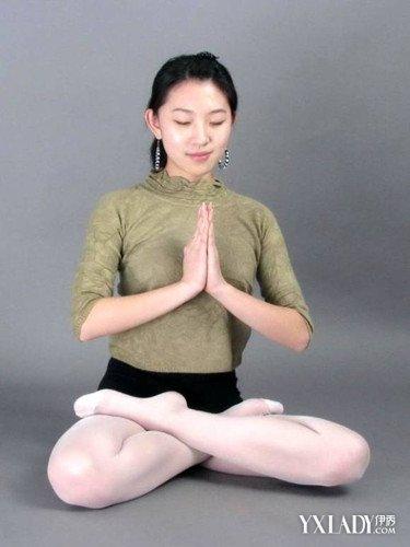 詳解打坐盤腿練習方法雙盤的姿勢 讓你長時間靜坐! - 色彩地帶