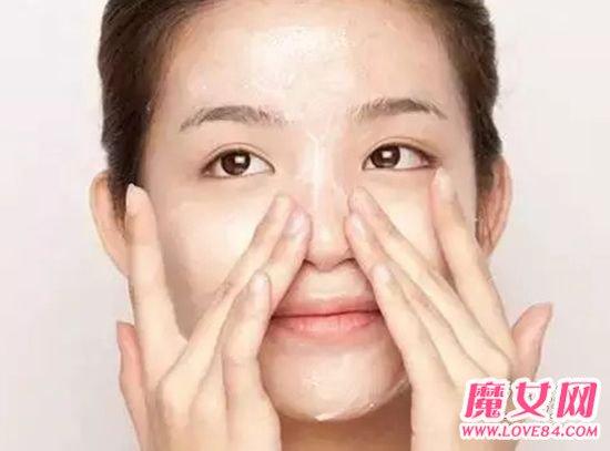 怎麼用鹽水洗臉?鹽水洗臉的好處 - 色彩地帶