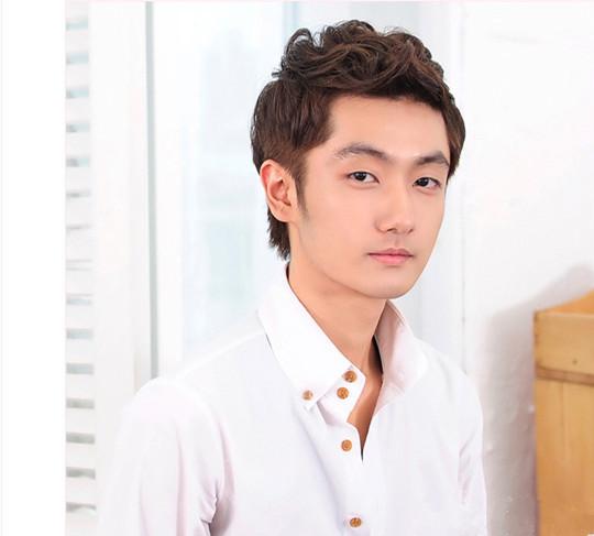 方臉男生適合的髮型圖片 看韓國潮男完美示範 - 色彩地帶