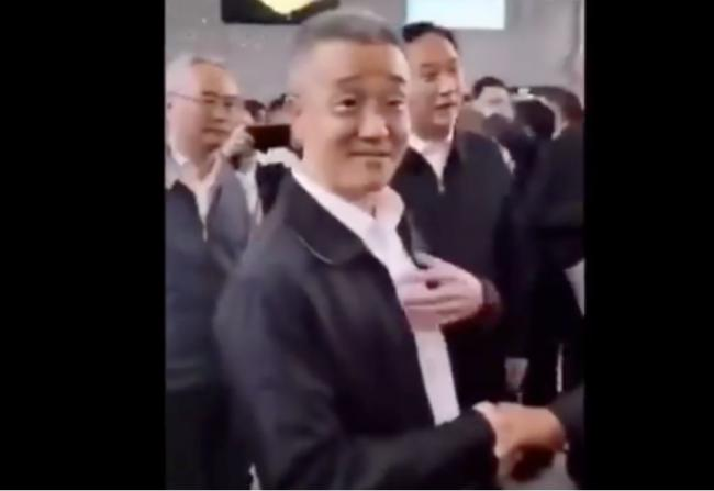 青島市政府一把手現身 胡海峰升官傳聞再落空 - 中國政壇 - 倍可親