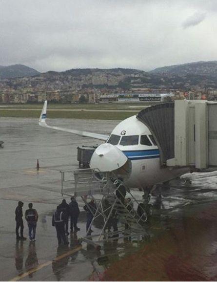 圖片 圖集|科威特航空客機遭遇冰雹襲擊 機鼻凹陷_民航新聞_民航資源網