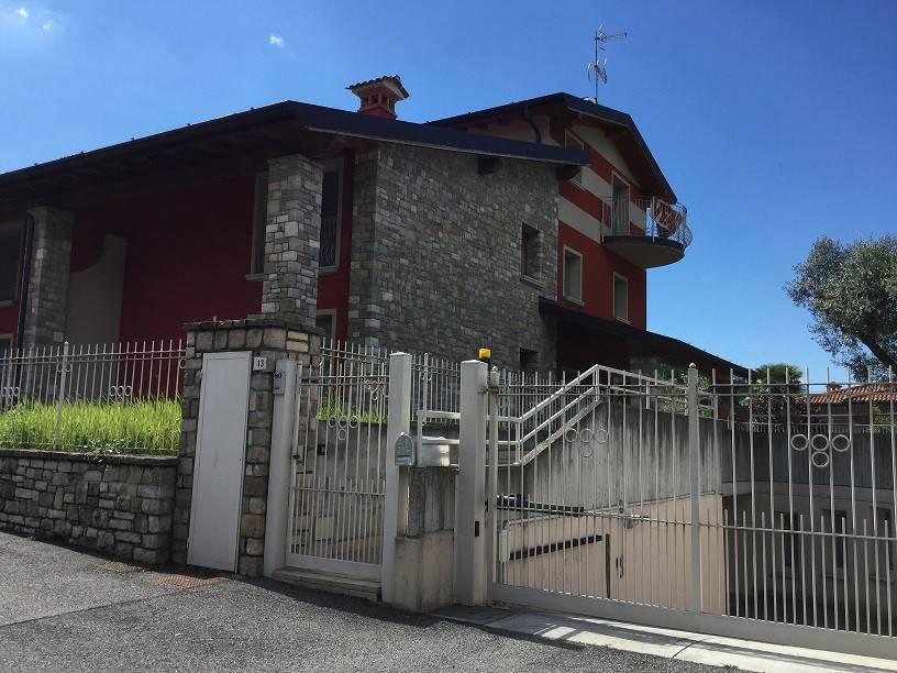 Vendita Villa A Schiera In Via Alessandro Manzoni Capriolo