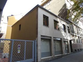 Case E Appartamenti Via Edmondo De Amicis Milano
