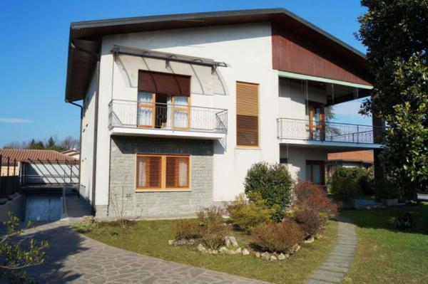 Vendita Casa indipendente in via oriano Sesto Calende Buono stato posto auto terrazza