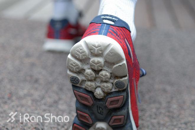 評測   Skechers 斯凱奇 Go Run 4 鞋面與鞋底不可兼得 - 愛燃燒