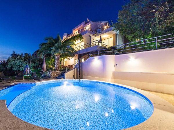 Luxury Villa for sale in Makarska, Splitsko-Dalmatinska ...