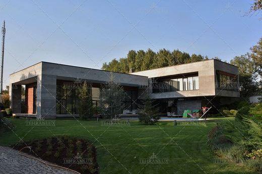 Villa In Tehran Ostān E Tehrān
