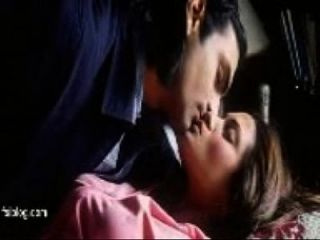 Tollywood Riya Smooch - Indian Actress Hot Kiss Scene