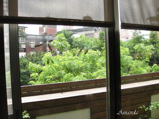 教室對面小公園.jpg