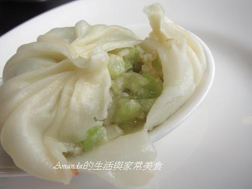 三源-翡翠絲瓜小籠湯包 (2)