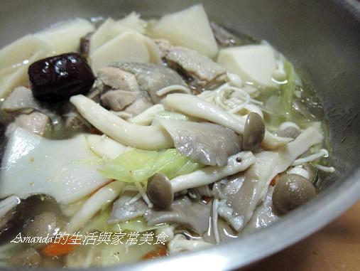 竹筍菌菇雞湯 (1)
