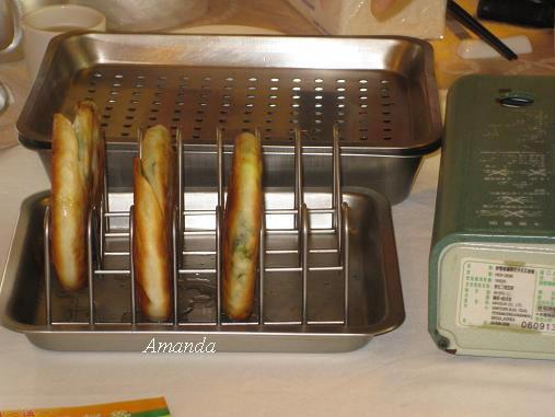 阿基師煎好青蔥餅,餅皮蓬鬆