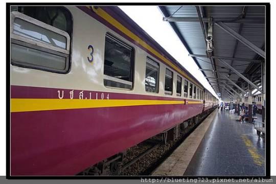 泰國大城府《邦芭茵夏宮Bang Pa-in》火車2.jpg