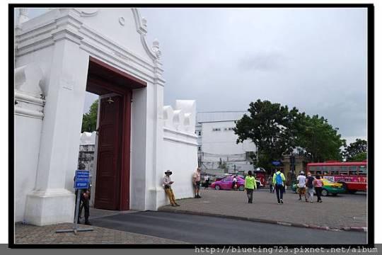 泰國曼谷《大皇宮》圍牆轉角.jpg