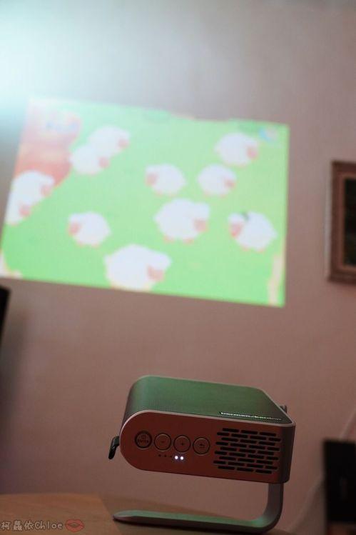 開箱 ViewSonic M1+ WVGA 360度無線巧攜投影機 迷你輕巧實用性超高!無線投影讓我追劇更享受!家庭娛樂、商務、露營適用36.jpg