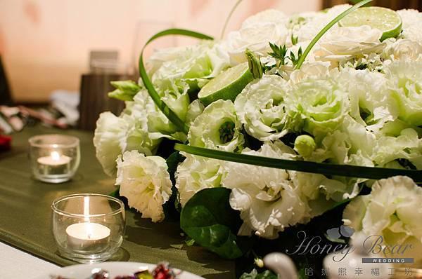哈妮熊漫步主題婚禮-Dexter&Irene 白綠色清新風主桌設計主桌花@國賓