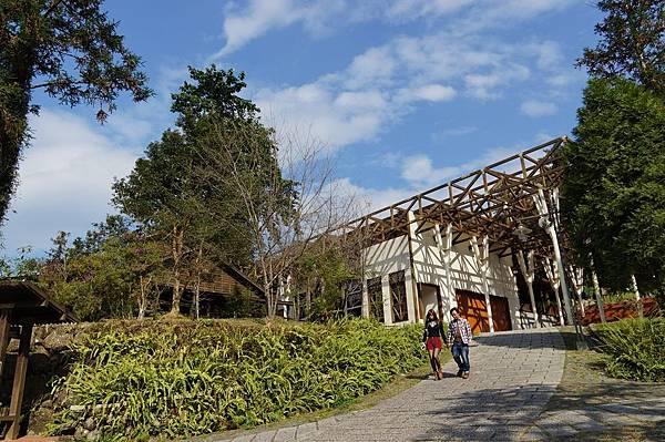 """南投景點推薦-好美的學校.好想回去當學生""""內湖森林國小""""(親愛的,我愛上別人了場景)"""